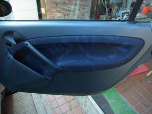運転席側の内張り